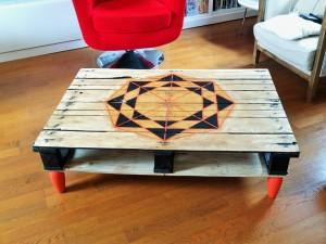 table basse palette géométrique originale