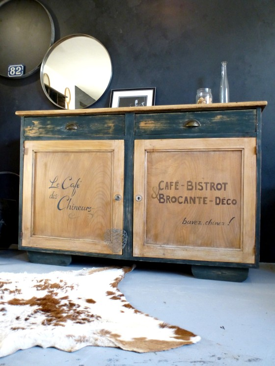 ensemble d un buffet et d une table en bois esprit bistrot brocante d 39 cosmose. Black Bedroom Furniture Sets. Home Design Ideas